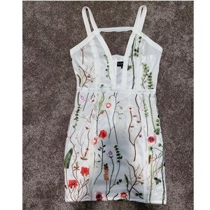 🌸Embroidered Floral Dress🌸